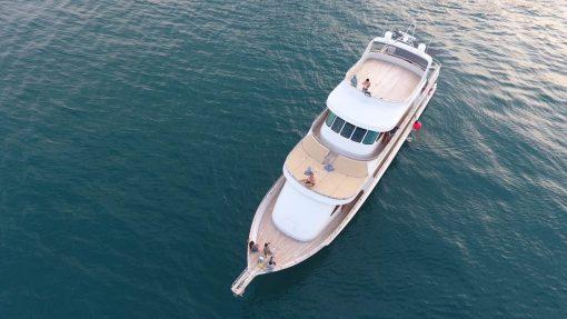 Isabella Yachts Origin 90 Pic1
